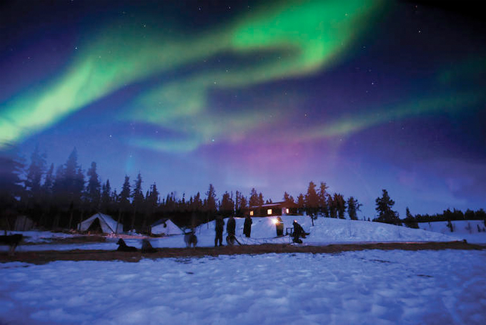 northern-territories-northern-lights