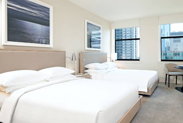 hyatt-centric-chicago-the-loop-room